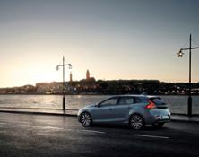 179515_Volvo_V40_Momentum_Location_7_8_Rear