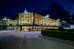 Museo Lamborghini esterno notturnom
