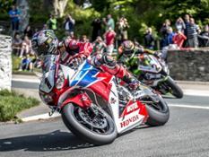 John McGuinness_Honda Road Racing Team_2015 IOM TT © Steve Babb_low