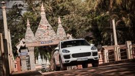 1540233 cayenne porsche adventure drive cambodia 2016 porsche ag
