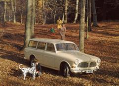 57697 La versione station wagon del modello P220 venne introdotta nel 1962 e