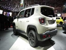 footage jeep renegade desert hawk-full hd