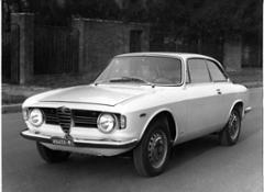 161122 Alfa-Romeo Giulia-Sprint-GTV 01