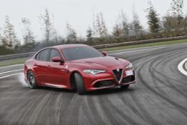 160510 Alfa-Romeo Giulia-Quadrifoglio 49