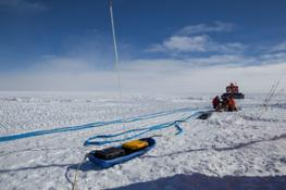 Georadar trasportabile su slitta per indagini sul profilo del ghiaccio