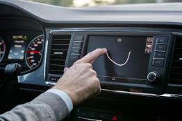 SEAT Uno smartphone su ruote (7)