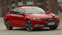 Opel-Insignia-Red-Static-Drive