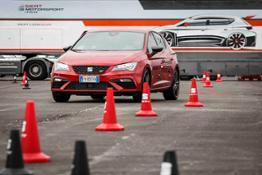 Andrea Dovizioso sulla SEAT Leon CUPRA (1)