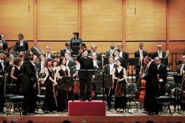 il M° Zhang Xian dirige laVerdi con Gennaro Cardaropoli violino solista - foto Paolo Dalprato (12)