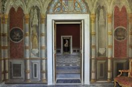 FOTO TEATRO decorazione parietale sala gotica