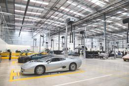 Jaguar XJ 220 servicing