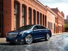 2018-Cadillac-XTS-001