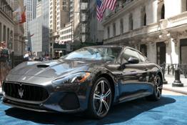 12742-MaseratiGranTurismoMCMY18alNewYorkStockExchange20172