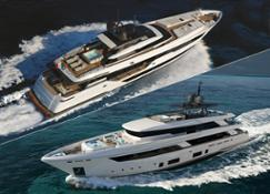 CustomLine 120 and Navetta 42
