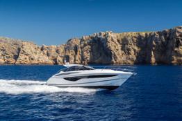 v40-exterior-white-hull-1a