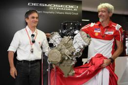 11-14 Unveiling Desmosedici Stradale V4 engine Forni Dall'Igna