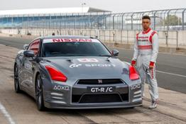 426207340 World first PlayStation controlled Nissan GT R achieves 130 mph run around