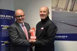 Simon Carter from Metzeler (left) & Rob Fairburn from MCN (right)