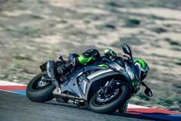 Ninja ZX-10R SE - Action Images (4)