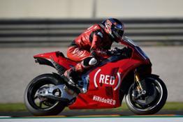 04 APRILIA VAL17 RACE