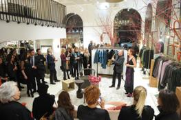 38  Caractere evento flagship store