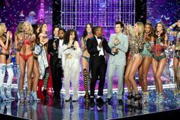 fashion-show-runway-2017-muscial-guests-models-finale-victorias-secret-hi-res