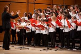il Coro di Voci Bianche de laVerdi diretto dal M° Maria Teresa Tramontin - foto Nora Roitberg b