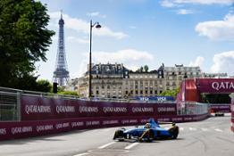 Sebastien Buemi on track for Renault e.dams during last year s Qatar Airways Paris E-Prix