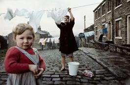 12 John Bulmer, Women hanging the laundry, for Sunday Times Magazine, Liverpool, 1965 © John Bulmer preview
