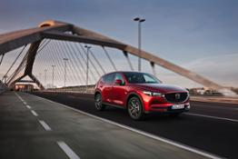 All-new-CX-5 BCN-2017 Action 02 hires
