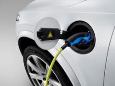 150060 The all-new Volvo XC90 - Charging
