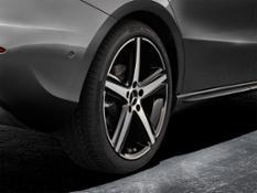 01 Mercedes Photo