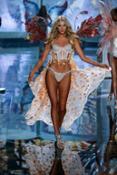 new-vs-angels-2015-supermodel-elsa-hosk-sweden-victorias-secret-hi-res