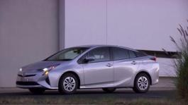 Exterior - Toyota Prius Two