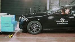 Mercedes-Benz E-Class - Crash Tests 2016