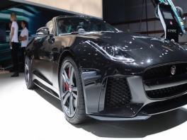 footage jaguar f type svr-full hd