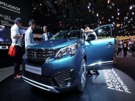 footage peugeot 5008-full hd