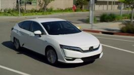 2017 Honda Clarity Electric Static   Running Footage