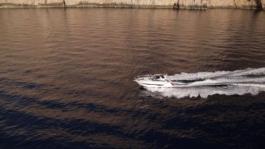 v40-video-white-hull