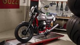 Moto Guzzi V7 III Racer footage Still life