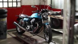 Moto Guzzi V7 III Special footage Still life