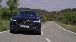 New Volvo XC60 T6 Denim Blue Driving Footage