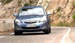 2010-10-26-Astra-Sports-Tourer-Trailer