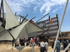 25_05_2015_15_33_41_Media_Centre_Release_Media_Centre_team_Foto_Padiglioni_Photos_of_pavilions_Giornata_della_Donna_dei_Paesi_del_Golfo_Arabico.