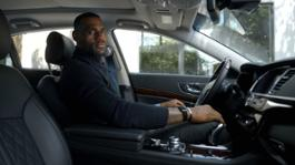10970_LEBRON_JAMES_TELLS_THE_TRUTH_ABOUT_DRIVING_HIS_KIA_K900_LUXURY_SEDAN