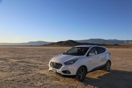 44590_HYUNDAI_TUCSON_FUEL_CELL_SETS_LAND_SPEED_RECORD_FOR_PRODUCTION_FUEL_CELL
