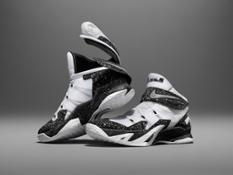 Su15_Nike_FlyEase_Wht_Pair_V1_original_51395