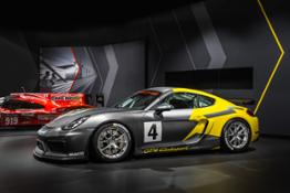 Porsche_Cayman_GT4_Clubsport