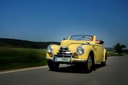 140702 TudorThe elegant sKODA 1101 Roadster from 1948, better known as the Tudor.