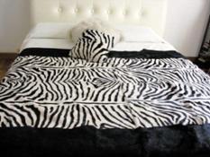 Dellera Pellicce - coperta lapin zebra